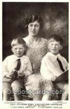 roy001005 - Princess Mary and children British Royalty Postcard Postcards