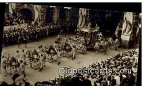 roy001073 - British Royalty Postcard Postcards