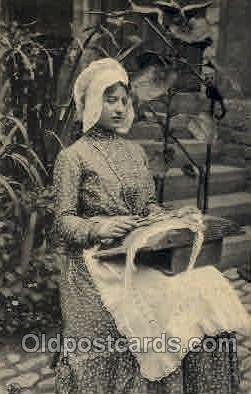 sew001031 - Belgium, Lace Making, Sewing, Knitting, Postcard Postcards