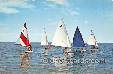 shi020757 - Close Race Color by Franklin Ship Postcard Post Card