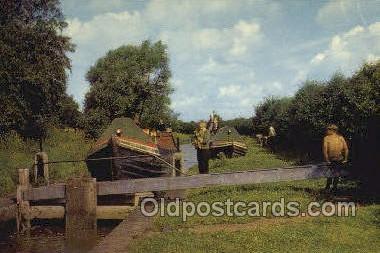 shi053081 - Oxford Canal North Of Banbury Ship Postcard Postcards