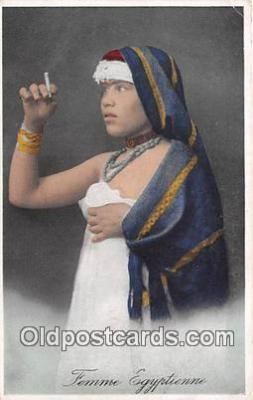 Femme Egypitenne Smoking Postcard Postcards