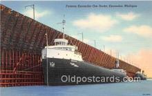 shi055044 - Famous Escanaba Ore Docks Escanaba, Michigan USA Ship Postcard Post Card