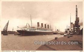 shi056238 - Docks with Giant Liners Southampton Ship Postcard Post Card