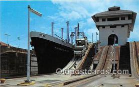shi056255 - Esclusas de Gatun Canal De Panama Ship Postcard Post Card