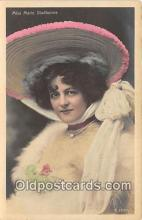 slm001082 - Foreign Actress Postcard