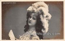 slm001086 - Foreign Actress Postcard