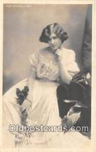 slm001099 - Foreign Actress Postcard