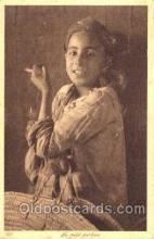 smo001012 - Children Smoking Postcard Postcards