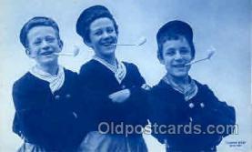 smo001053 - Children Smoking Postcard Postcards