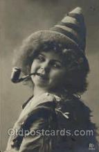 smo001124 - Children Smoking Postcard Postcards