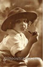 smo001150 - Children Smoking Postcard Postcards