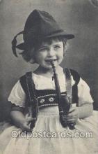 smo001211 - People / Children Smoking Postcard Postcards