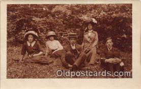 smo001345 - Smoking Postcard Postcards