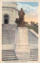 sta001058 - Statue Postcard