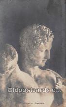 sta001074 - Statue Postcard