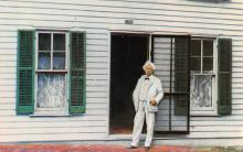 sub001475 - Mark Twain posed in front of his boyhood home