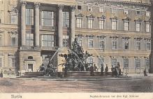 sub013973 - Fountain        Berlin  Postcard