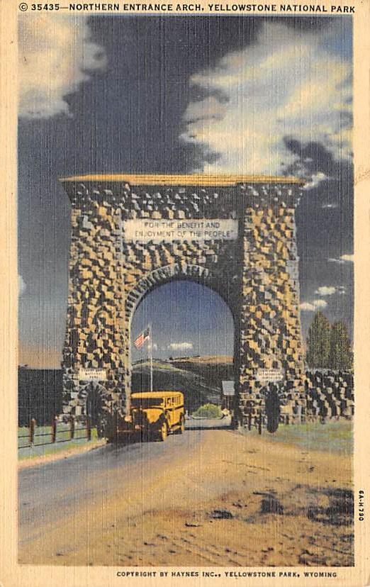 sub065401 - Yellowstone National Park Post Card