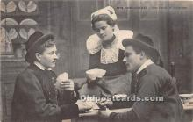 spo012543 - Old Vintage Gambling Postcard Post Card