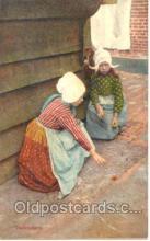 spo015007 - Volendam, Marbles Postcard Postcards