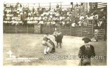 spo017171 - Heriberto Entering a Matar, Bullfighting Postcard Postcards