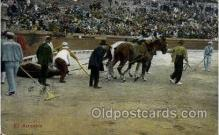 spo017227 - El Arrastre Bull Fighing, Bullfighting Postcard Postcards