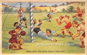 spo030146 - Old Vintage Soccer Postcard Post Card
