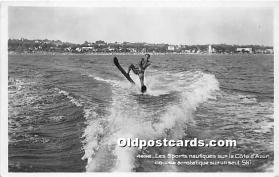 Les Sports nautiques sur la Cote dAzur course acrobatique sur un seul ski