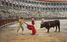 spof017110 - Entrando a Matar Bullfighting Postcard