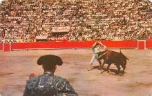 spof017122 - La Suerte Los Banderilleros, Placing Banderllas in the Ring, Bullfighting Postcard