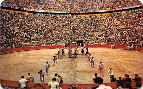 spof017131 - El Paseo De Las Cuadrillas, Opening parade, Mexico, D.F. Bullfighting Postcard
