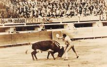 spof017229 - Armillita Matando Bull Fighing, Bullfighting Postcard