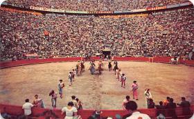 spof017426 - El Paseo de as Cuadrillas Tarjeta Postal Bullfighting