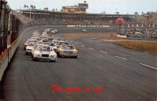 spof020897 - Green Flag, Daytona International Speeway Automobile Racing, Race Car Postcard