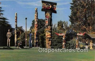 tot001040 - Indian Totem Poles, Thunderbird Park Victoria, BC, Canada Postcard Post Card