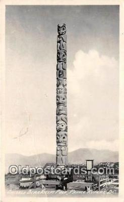 tot001065 - Grizzly Bear Totem Pole Prince Rupert, BC Postcard Post Card