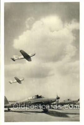 tra001142 - Aviation, Airplane Postcard Postcards