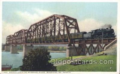 tra006280 - Missouri River, Mobridge, South Dakota, USA Train Trains Locomotive, Steam Engine,  Postcard Postcards