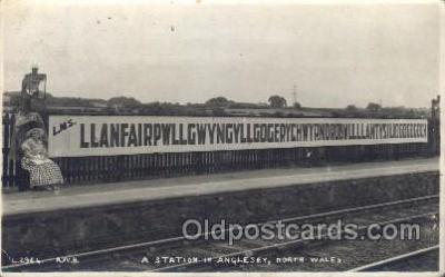 tra006295 - Anglesey, North Wales, Train Trains Locomotive, Steam Engine,  Postcard Postcards