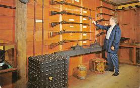 top016009 - Guns Factories Gun Factory Post Card