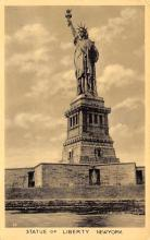 top016965 - Statue of Liberty Post Card