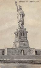 top016993 - Statue of Liberty Post Card