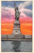 top017057 - Statue of Liberty Post Card