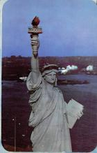 top017067 - Statue of Liberty Post Card