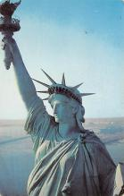 top017073 - Statue of Liberty Post Card