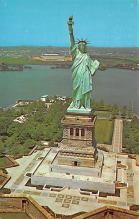top017093 - Statue of Liberty Post Card