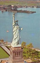 top017099 - Statue of Liberty Post Card