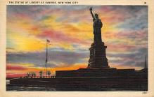top017157 - Statue of Liberty Post Card
