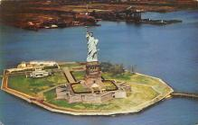 top017265 - Statue of Liberty Post Card